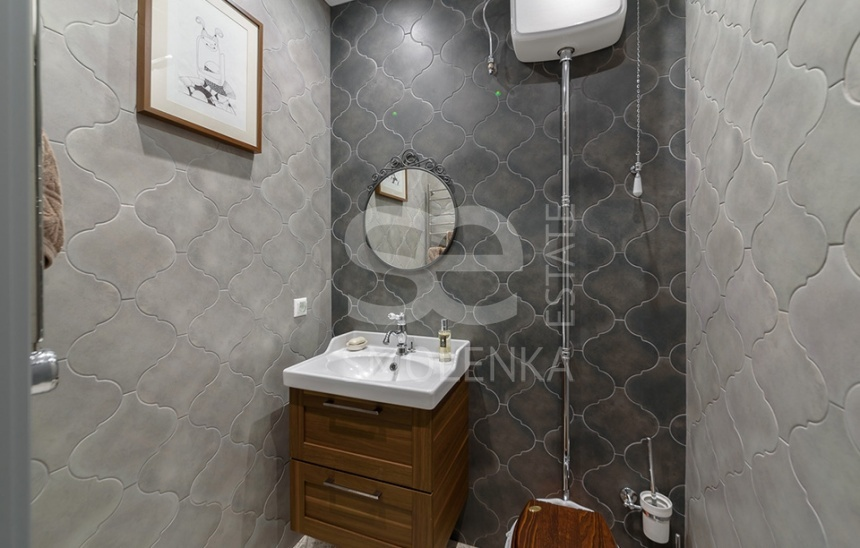 Rent Residential, Total area 136 m2, 6 Floor, Solyanka ul 12s1